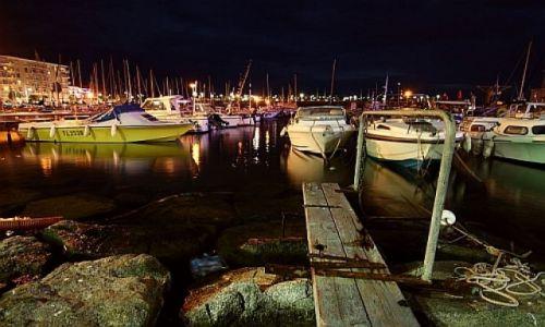 Zdjecie FRANCJA / Cote d'Azure / St Raphael / Wieczór w porcie
