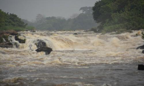 GABON / Ogooue-Ivindo / Park Narodowy Ivindo / Wodospad Tsengue-Leledi