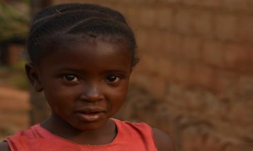 Zdjęcie GABON / Woleu-Ntem / Oyem / Z nieśmiałością