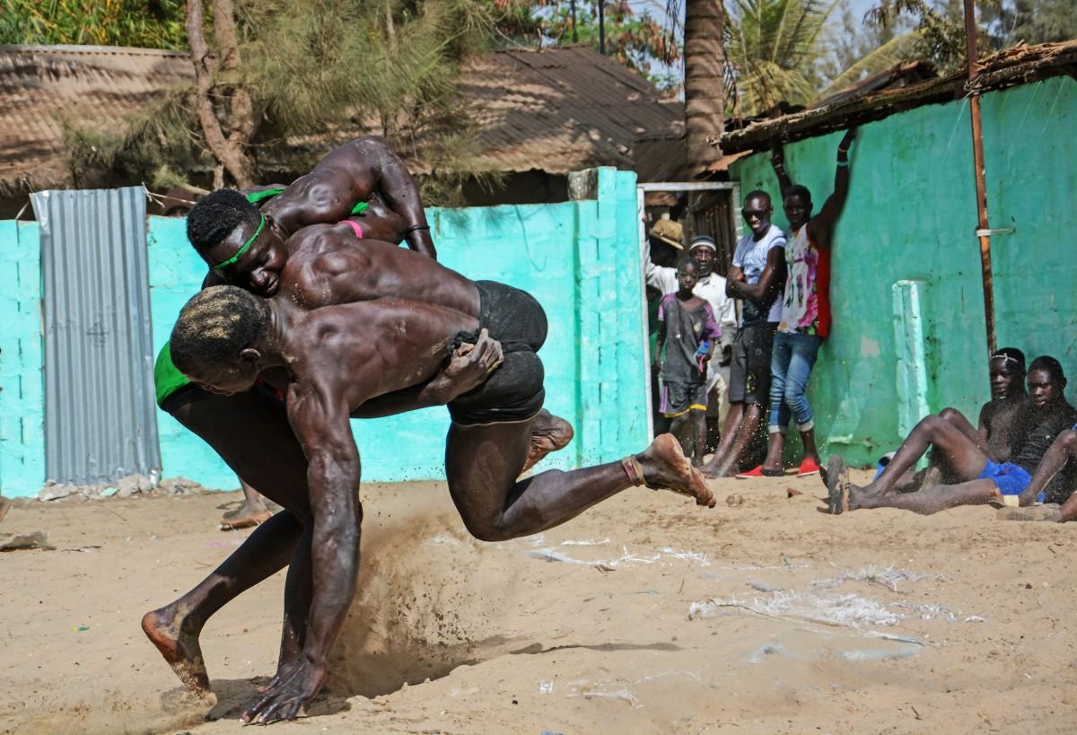 Zdjęcia: Sanyang , Zapasy, GAMBIA