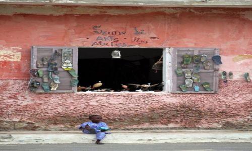 Zdjęcie GAMBIA / Gambia / George Town / A girl