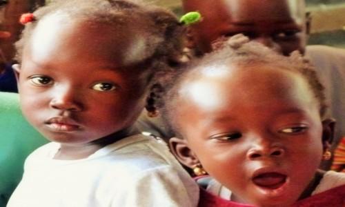 Zdjecie GAMBIA / Banjul / sierociniec / Oczy