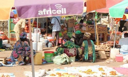 GAMBIA / Gambia River  / Wassu / Na straganie w dzień targowy