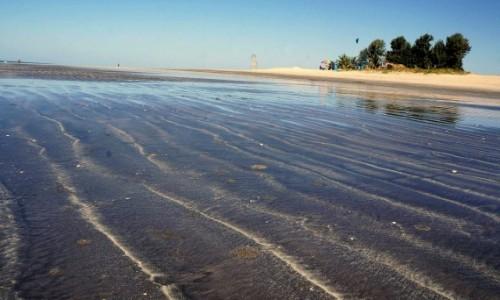 Zdjecie GAMBIA / Kotu / Kotu Beach / Odpływ całą Gambią