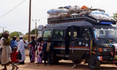 Zdjecie GAMBIA / rz. Gambia / jw / Czekamy na prom