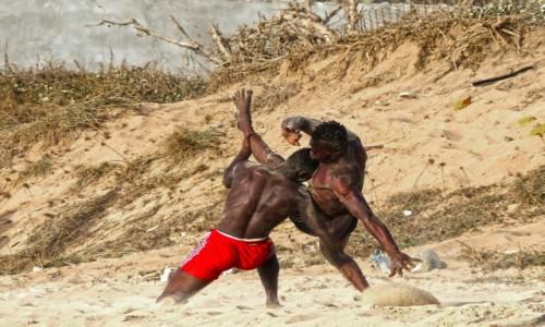 GAMBIA / - / Serekunda / na plaży