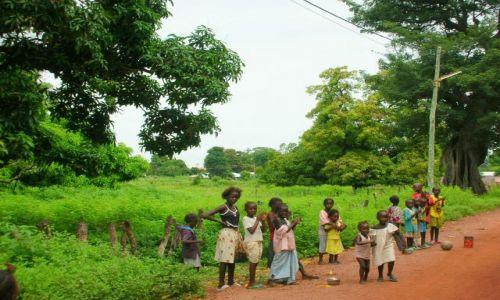 Zdjecie GAMBIA / brak / ALBREDA / dzieci z wioski