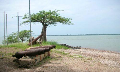 Zdjecie GAMBIA / brak / JAMES ISLAND / niemi swiadkowie przemocy