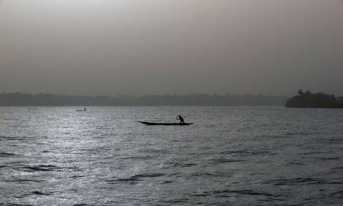 Zdjęcie GAMBIA / Central Division / Georgetown / Gambia River - wieczorny połów