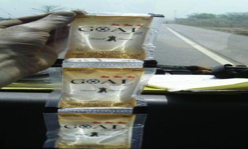 GHANA / ACCRA / . / Wódeczka w GHANIE
