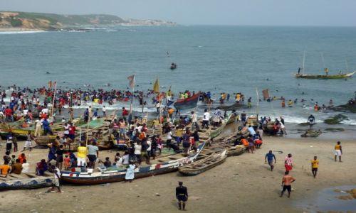 Zdjecie GHANA / Central Region / Plaża Cape Coast / Ghana - Plaża Cape Coast - chwila ochłody