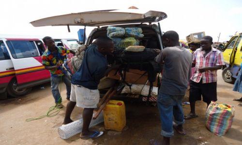 Zdjęcie GHANA / Western Region / Agona / Mistrzowie logistyki