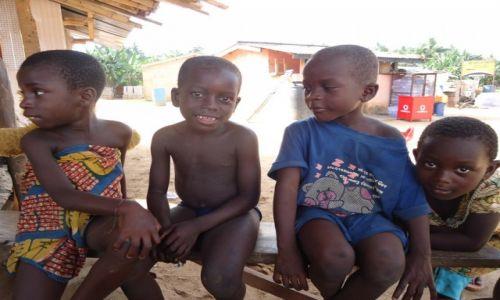 Zdjęcie GHANA / Western Region / okolice Axim / Portret zbiorowy