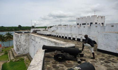 Zdjęcie GHANA / Western Region / Dixcove / Fort Metal Cross (2)