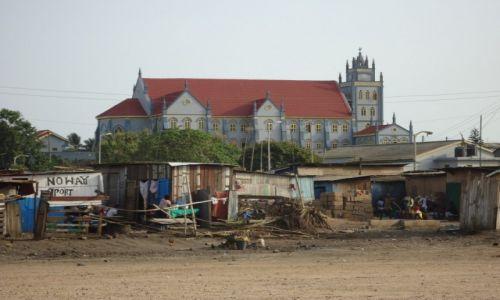 Zdjęcie GHANA / Western Region / Sekondi / Kościół katolicki