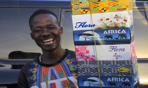 Zdjecie GHANA / Kumasi / Kumasi / Przydrozny Sprzedawca