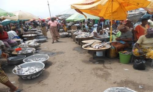 Zdjecie GHANA / Abirem Municipal District / Elmina / Targ w Elminie