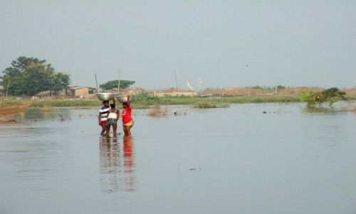 GHANA / Bolgatanga / Kansingo / Po wodę..