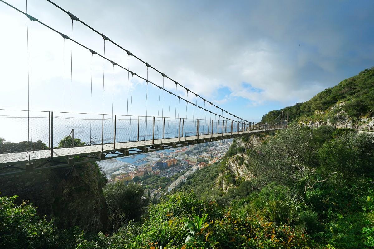 Zdjęcia: ., Skała Gibraltarska, 72-metrowy wiszący most Windsor Bridge, GIBRALTAR