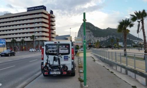 Zdjecie GIBRALTAR / GIBRALTAR /   jeszcze  Hiszpania / ja sam i campervan