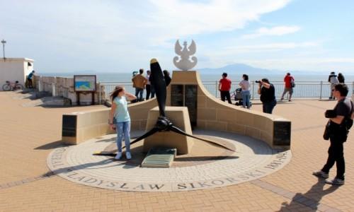 Zdjecie GIBRALTAR / Ocean Atlantydzki  / Cieśnina Gibraltar  / Bandera Polska 3