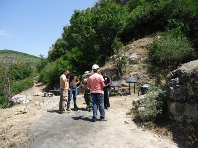 Zdjęcia: Azokh, Rejon Hadrut, Archeolodzy przy pracy, GÓRSKI KARABACH