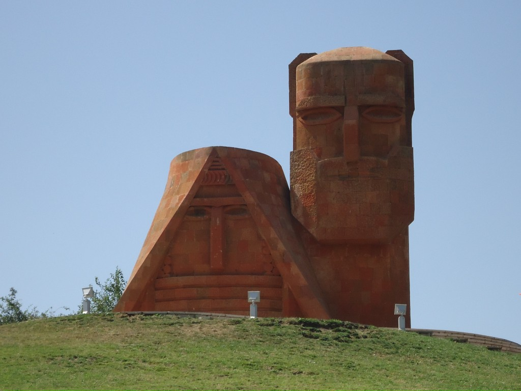 Zdjęcia: Stepanakert, Stepanakert, Dziad i Baba ..., GÓRSKI KARABACH
