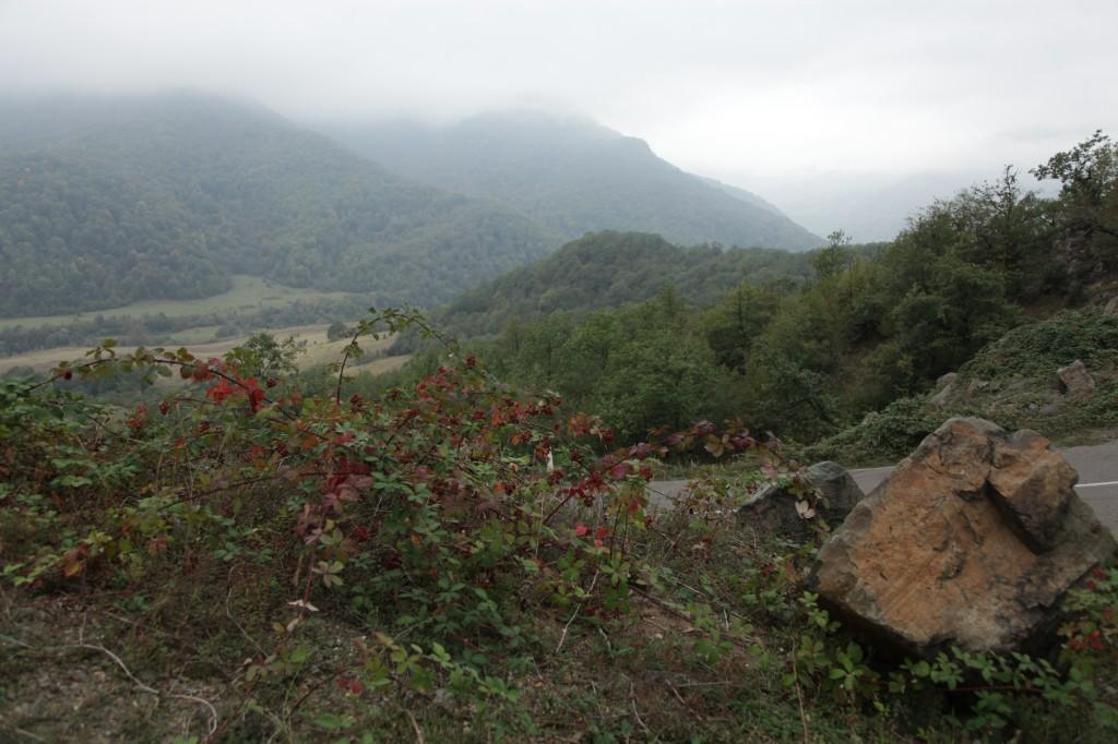 Zdjęcia: Klasztor Gandzasar, Martakert, Krajobraz we mgle, GÓRSKI KARABACH