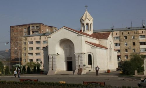 Zdjęcie GÓRSKI KARABACH / Stepanakert / Centrum miasta / Kościół ormiański