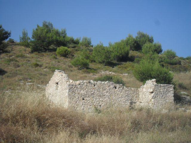 Zdjęcia: Zakynthos, Zakynthos, opuszczone gospodarstwo w górach, GRECJA