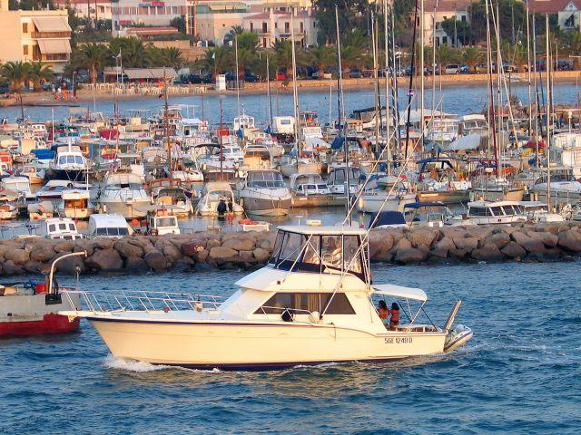 Zdjęcia: Egina, Port w Eginie, GRECJA