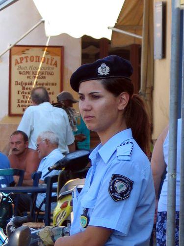 Zdjęcia: Ateny, Policjantka, GRECJA