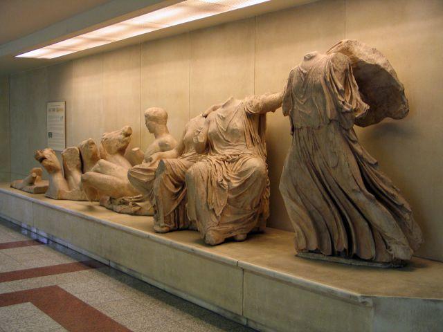 """Zdj�cia: Ateny, Wystawa na stacji metra """"Akropoli"""", GRECJA"""