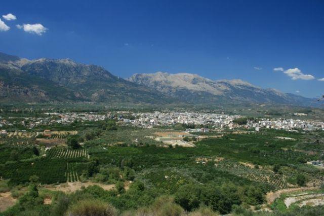 Zdjęcia: Sparta, Lakonia, Widok na Spartę i góry Tajget, GRECJA