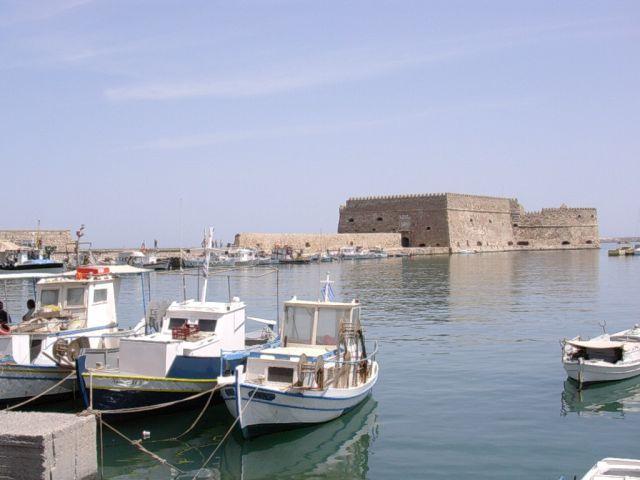 Zdjęcia: Heraklion, Kreta, Widok na port i twierdzę wenecką, GRECJA