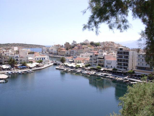 Zdjęcia: Agios Nikolaos, Kreta, Jezioro w środku miasteczka, GRECJA