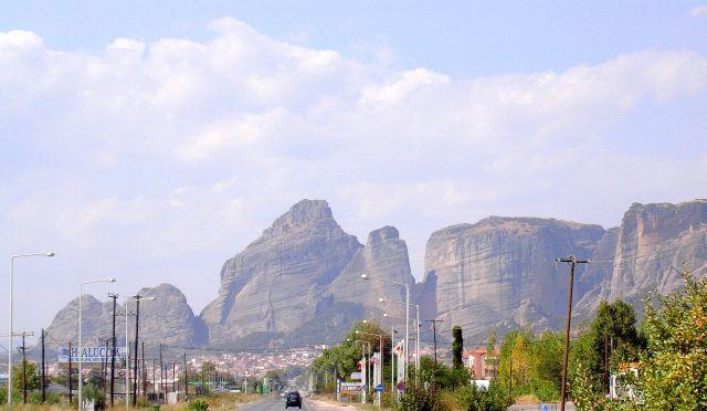Zdj�cia: Tesalia, Tesalia, Widok na Meteory, GRECJA