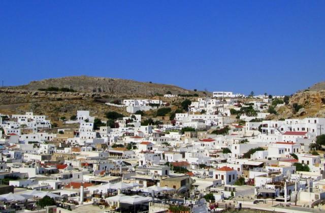Zdjęcia: Lindos, Rodos, Widok na Lindos z drogi na Akropol, GRECJA