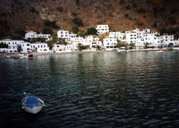 Zdjęcia: Agia Ruomeli, Kreta, cudownie krzywe domki, GRECJA