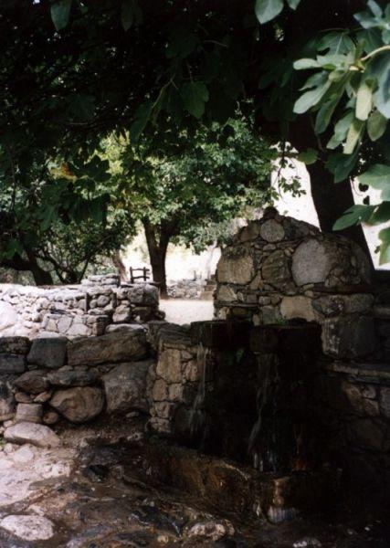 Zdj�cia: w�w�z Samaria, Kreta, studnia, GRECJA