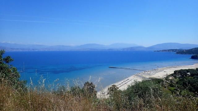 Zdjęcia: Korfu, Korfu, Korfu - piaszczysta plaża i molo, GRECJA