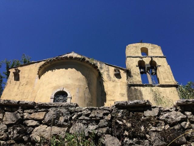 Zdjęcia: Perithia, Korfu, Old Perithia - ruiny kościoła, GRECJA