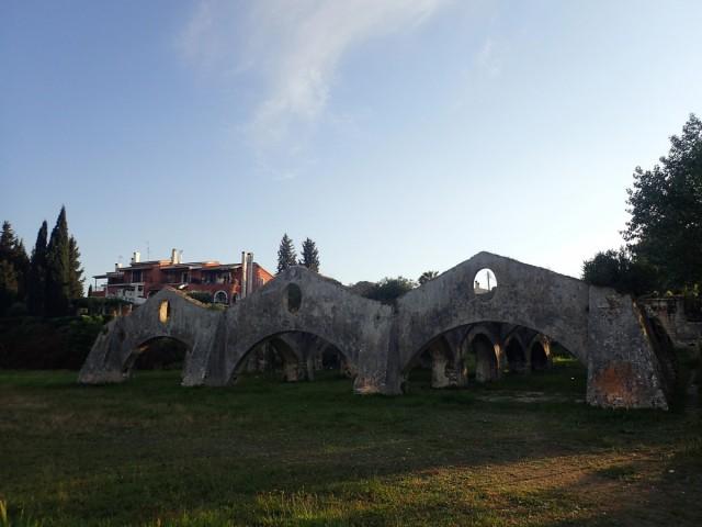 Zdjęcia: Port w Korfu, Korfu, Ruiny portu weneckiego w Gouvia - Korfu, GRECJA
