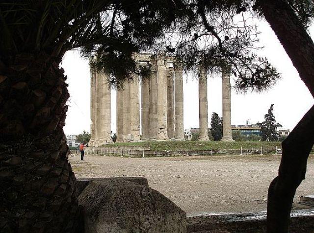 Zdjęcia: ATENY, ATENY, ŚWIĄTYNIA ZEUSA OLIMPIJSKIEGO, GRECJA