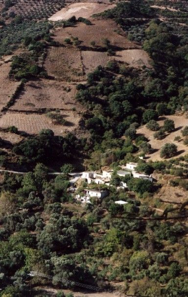 Zdjęcia: mini osada w drodze z Chanii na płd, Kreta, osada w górach, GRECJA