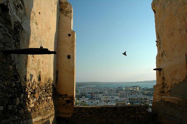 """Zdjęcia: cyklady, naxos, cyklady, naxos, naxos, """"okno"""" na miasto, GRECJA"""