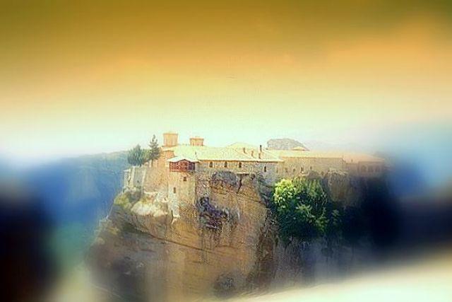 Zdjęcia: Meteory, Kalambaka, Klasztor na skale w ciepłych kolorach, GRECJA