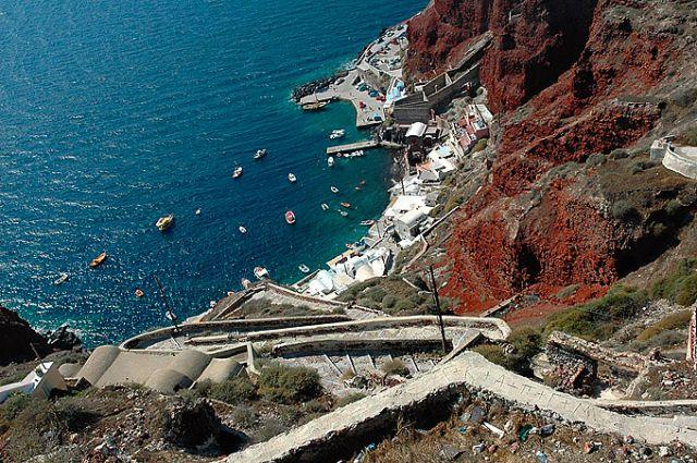 Zdj�cia: Santorini, Cyklady, zatoczka w dole, GRECJA