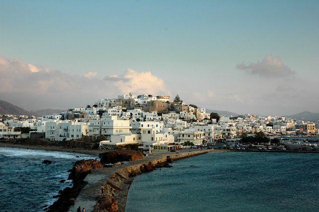Zdj�cia: Naxos, Cyklady, miasto Naxos o zmierzchu, GRECJA