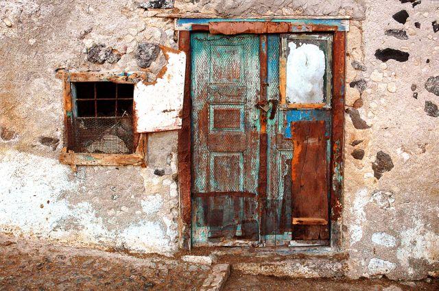 Zdjęcia: Santorini, Santorini, drzwi jak u Slawo:) niestety inna pora dnia..., GRECJA